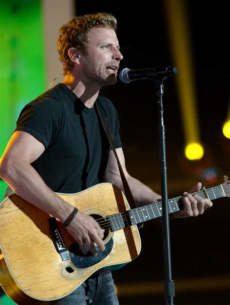 dierks bentley day bentley dierks bentley photos photos cmt awards rehearsals