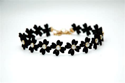 Kalung Choker Velvet Flower Pearls 6886 black choker lace velvet choker flower choker necklace