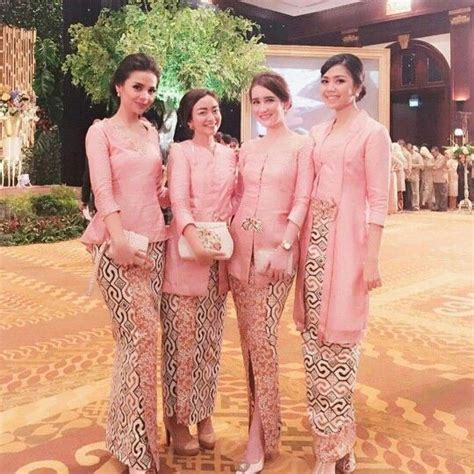 Kebaya Kutu Baru Lapita Dusty Pink pin by martha tambunan on dress skirt kebaya baju kurung batik bridesmaid