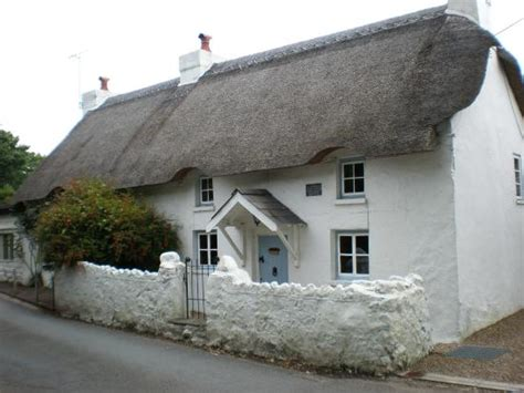 thatched cottage at oxwich bay