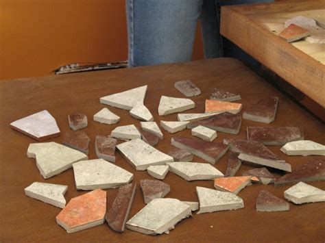tisch mit fliesen how to make a mosaic tile tabletop how tos diy