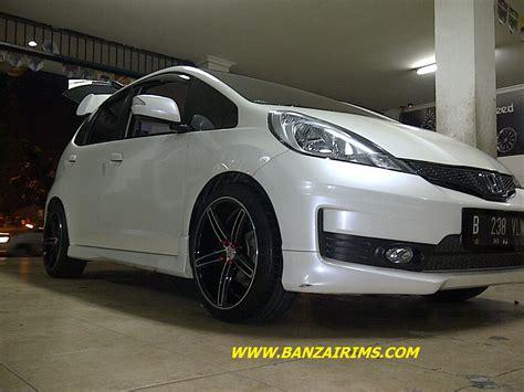 Velg Mobil Honda Jazz Rs Bazeria 6052 Hsr Ring17 Black 1 honda jazz velg racing fiat world test drive
