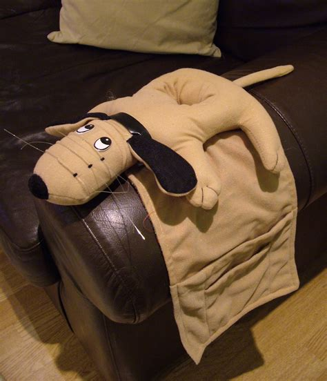 armchair remote control holder dog armchair sofa organiser remote control drink magazine