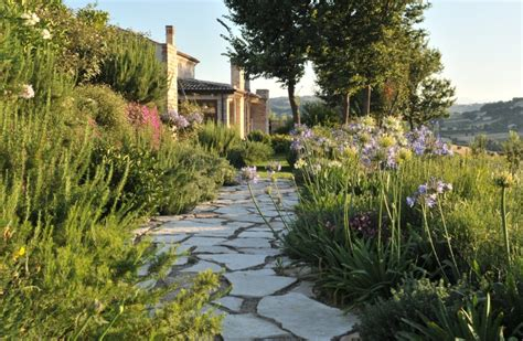 giardino roccioso mediterraneo come progettare un giardino mediterraneo antonio di maro