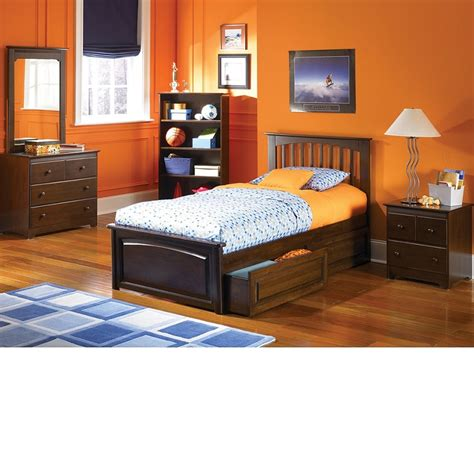 walnut bedroom set dreamfurniture com brooklyn bedroom set antique walnut