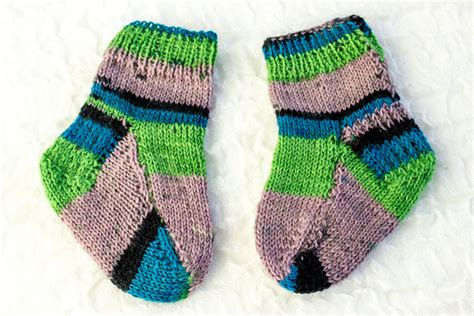 knitting pattern for socks using two needles knitting pattern two needle baby socks flat sock