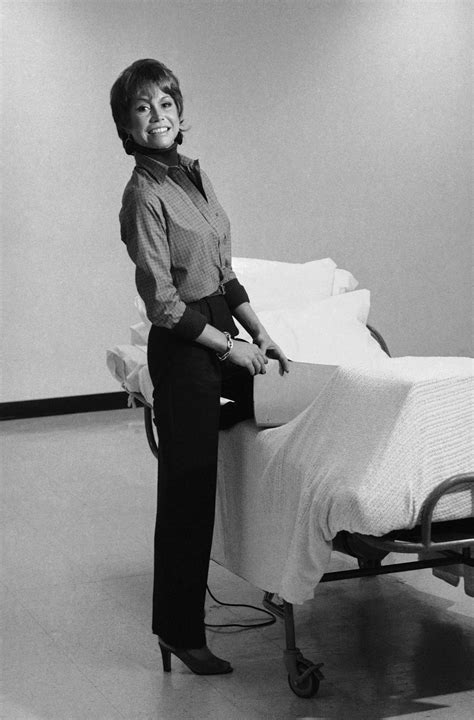 postscript mary tyler moore the new yorker actress mary tyler moore one of tv s first career woman
