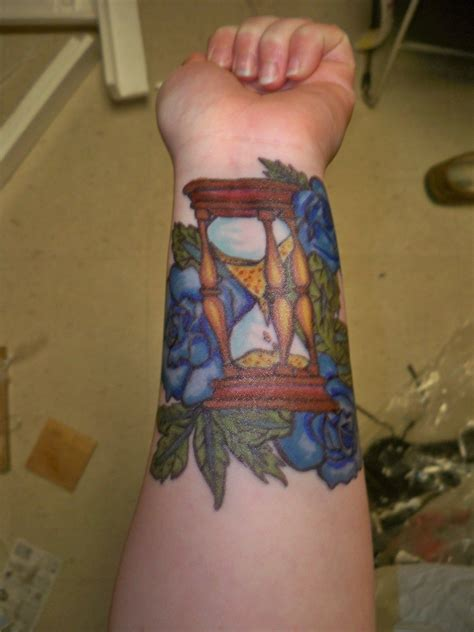 traditional hourglass tattoo hourglass tattoos designs ideas and meaning tattoos for you