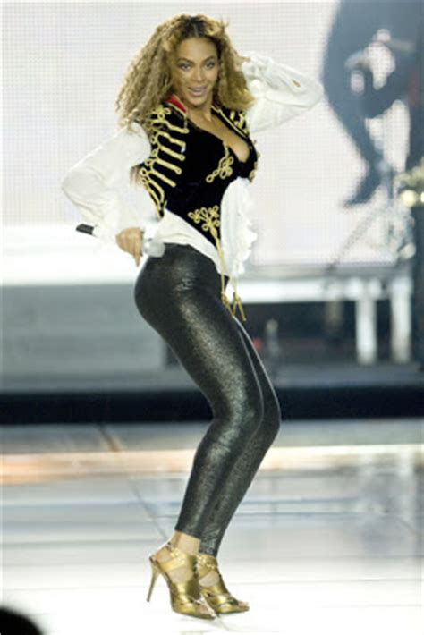 Home Improvement Design Expo by Tital Titil Tutol Beyonce Knowles Leggings