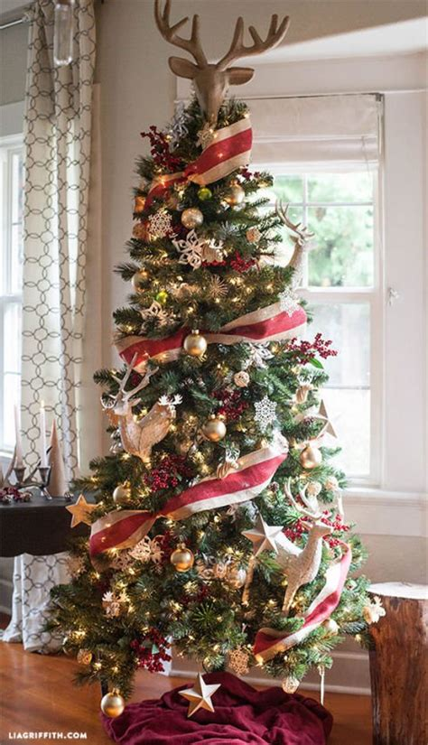 22 sparkling tree decorating ideas you ll lose