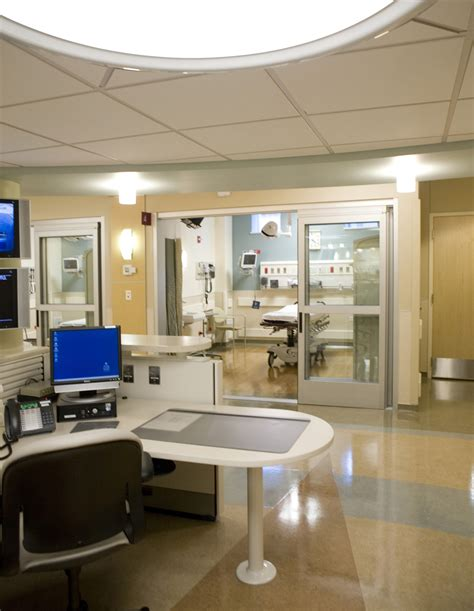 covenant hospital emergency room leopardo construction completes 11 000 sf emergency department expansion at swedish covenant