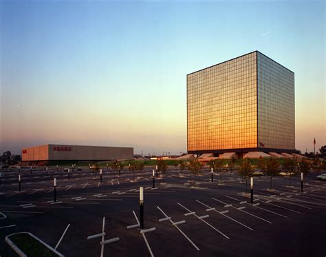 Sears Corporate Office by Photographer Wayne Thom Captured Late Modernism Like No