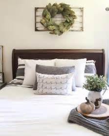 bed decor 25 best ideas about above bed decor on pinterest above