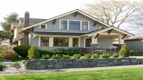 craftsman bungalow style home exterior single story