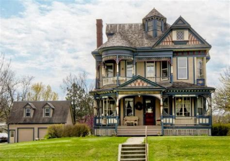 classic house sles pretty 114 years old victorian house digsdigs