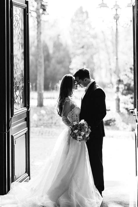best 25 wedding shoot ideas on wedding photography wedding poses and wedding photos
