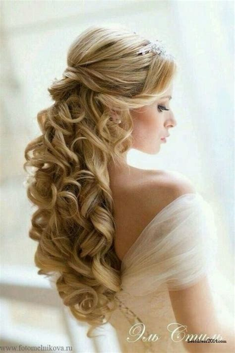 Wedding Hair Big Curls by 2 Curly Hair 33 Stunning Wedding Hairstyles For Your