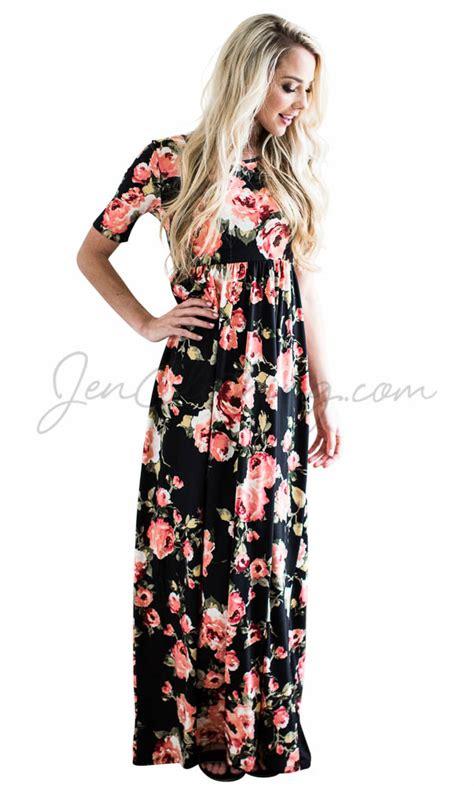 Maxi Miranda miranda modest maxi dress in black w bright coral floral print