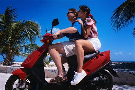 motor scooter rental abrelaboca frikis curiosidades risas y famosas
