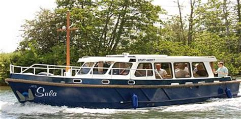 river thames boat hire bray the river thames guide private party boats private