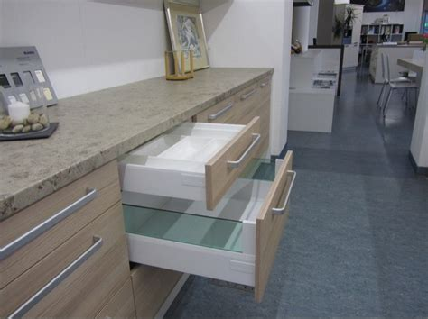 suche günstige küche schlafzimmer einrichten kleiner raum