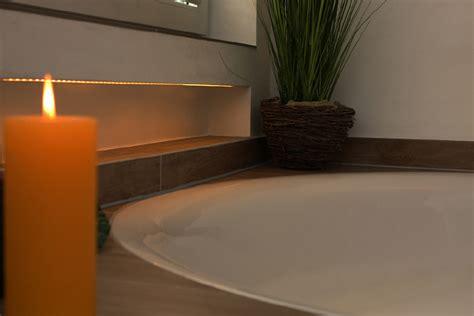 beleuchtete badewanne runde badewanne ein highlight im bad planungswelten