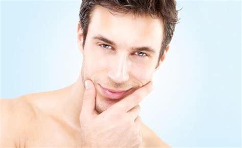 perawatan wajah berjerawat secara alami untuk pria