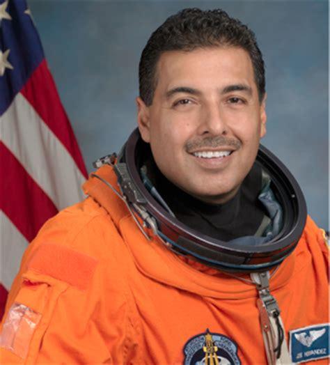 pocho ocho tips for latino astronauts (like josé hernández