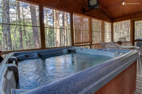 Cabin With Tub by Charming Cabin With Screened In Deck And Tub Near Helen