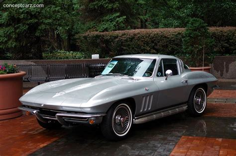 1965 chevrolet corvette c2 at the pvgp downtown parade and