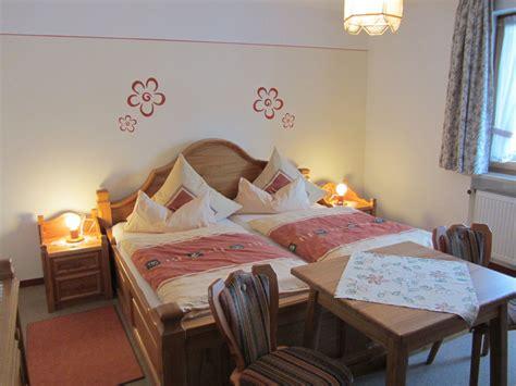 schlafzimmer 20 qm ferienwohnung im ferienhaus gr 246 ller bayerischer wald