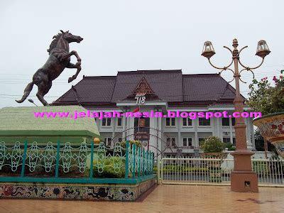 Krupuk Udang Cap 2 Gajah Khas Indramayu Bisa Langsung Di Goreng oleh oleh khas tuban