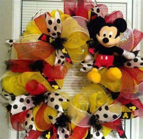 diy corona navide a de mickey mouse mickey s christmas wreath 17 mejores ideas sobre corona de mickey mouse en pinterest
