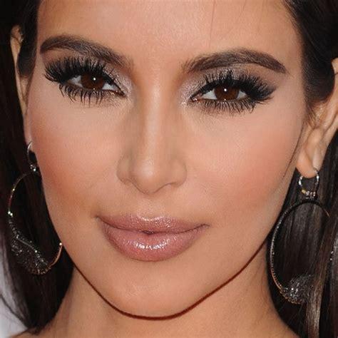 Kuas Lipstick Dan Eyeshadow inspirasi summer makeup yang sesuai dengan zodiakmu