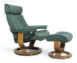 ekornes recliners antiques atlas pair of ekornes stressless chairs and stools