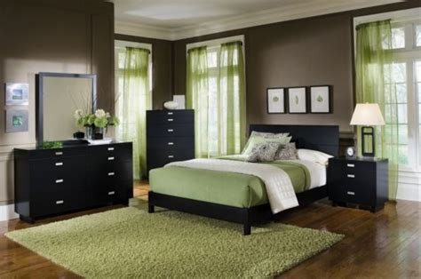 78 best ideas about green bedroom colors on brown bedroom decor green painted rooms