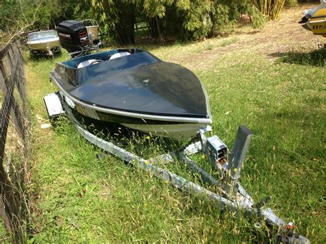 black speed boat 5 2m macho speed boat black max 175hp mercury outboard