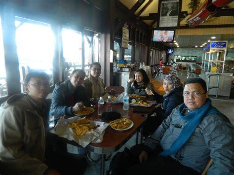 Pesanan Khusus Erny kisah perjalanan ke perth 2 camar yang genit di sisi
