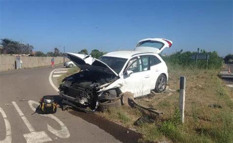 auto usate porto torres porto torres incidente a li pidriazzi due feriti auto