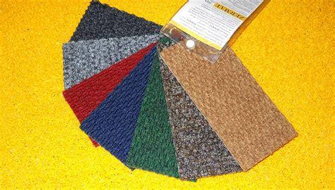 zerbino con logo tappeti e zerbini intarsiati sagomati personalizzati con
