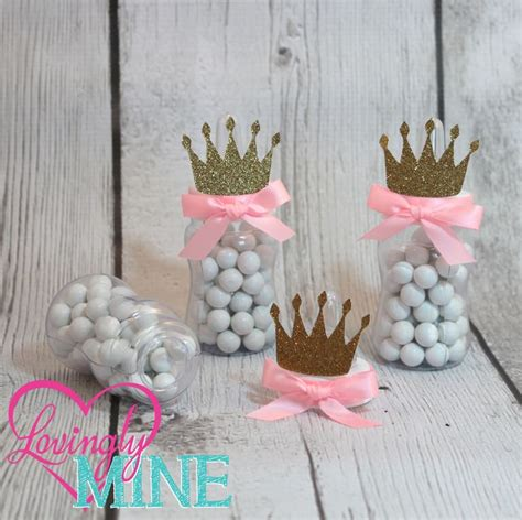 Gold Baby Shower Favors by Best 25 Princess Baby Showers Ideas On Baby