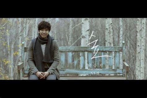lee seung gi lagu lee seung gi jawara k pop chart billboard republika online