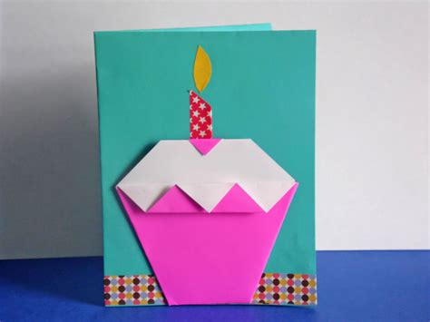How To Make Paper Cupcakes - easy diy origami cupcake birthday card