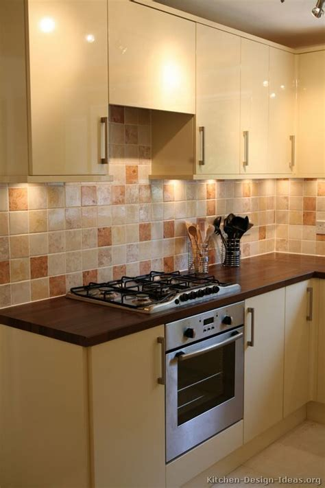 Cream Kitchen Tile Ideas | kitchen wall tiles for cream kitchens kitchen design ideas