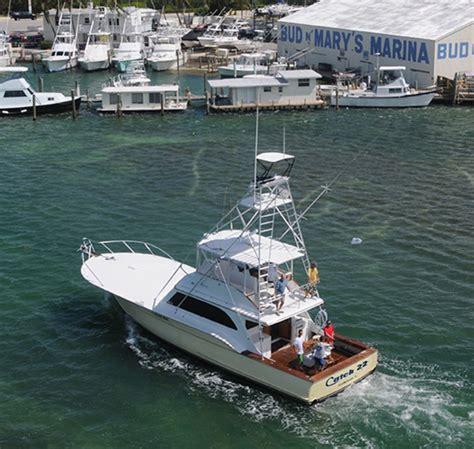 holiday isle marina charter boats find islamorada deep sea and offshore fishing trips here