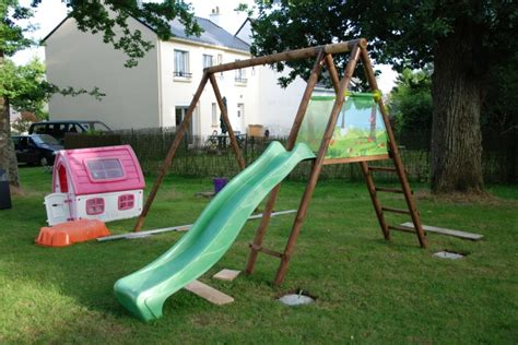 Sceller Balancoire by Installation Portique En Bois Avec Toboggan 30 Messages