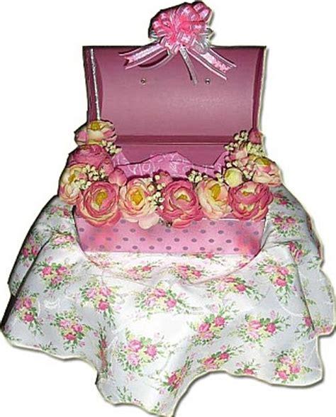 Kotak Cincin Bunga Unik Warna Hitam Putih gubahan hantaran pertunangan and perkahwinan