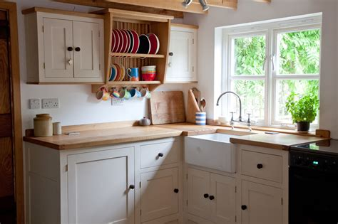 painted shaker kitchen cabinets matthew wawman cabinet maker bespoke kitchen maker and