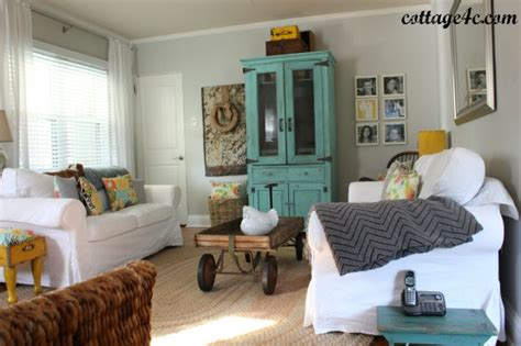 southern style living rooms my favorite room savvy southern style cottage4c