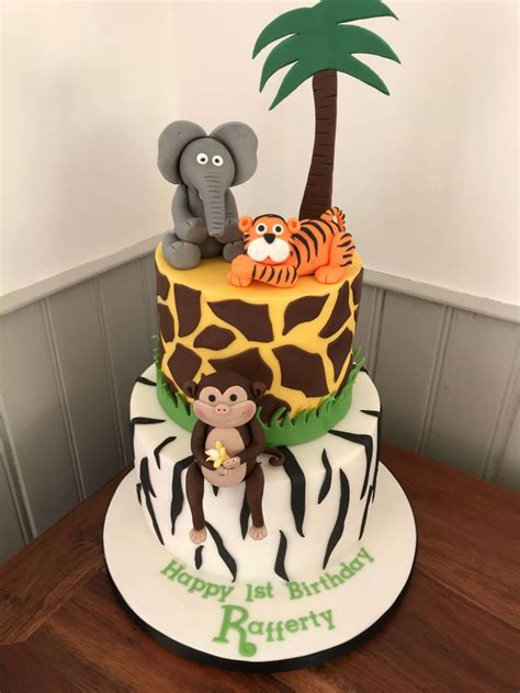 themed birthday cakes uk zoo themed birthday cake sweet cake bites